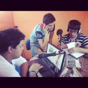 Los chicos de RMGZ en un momento ON AIR en la 103.5